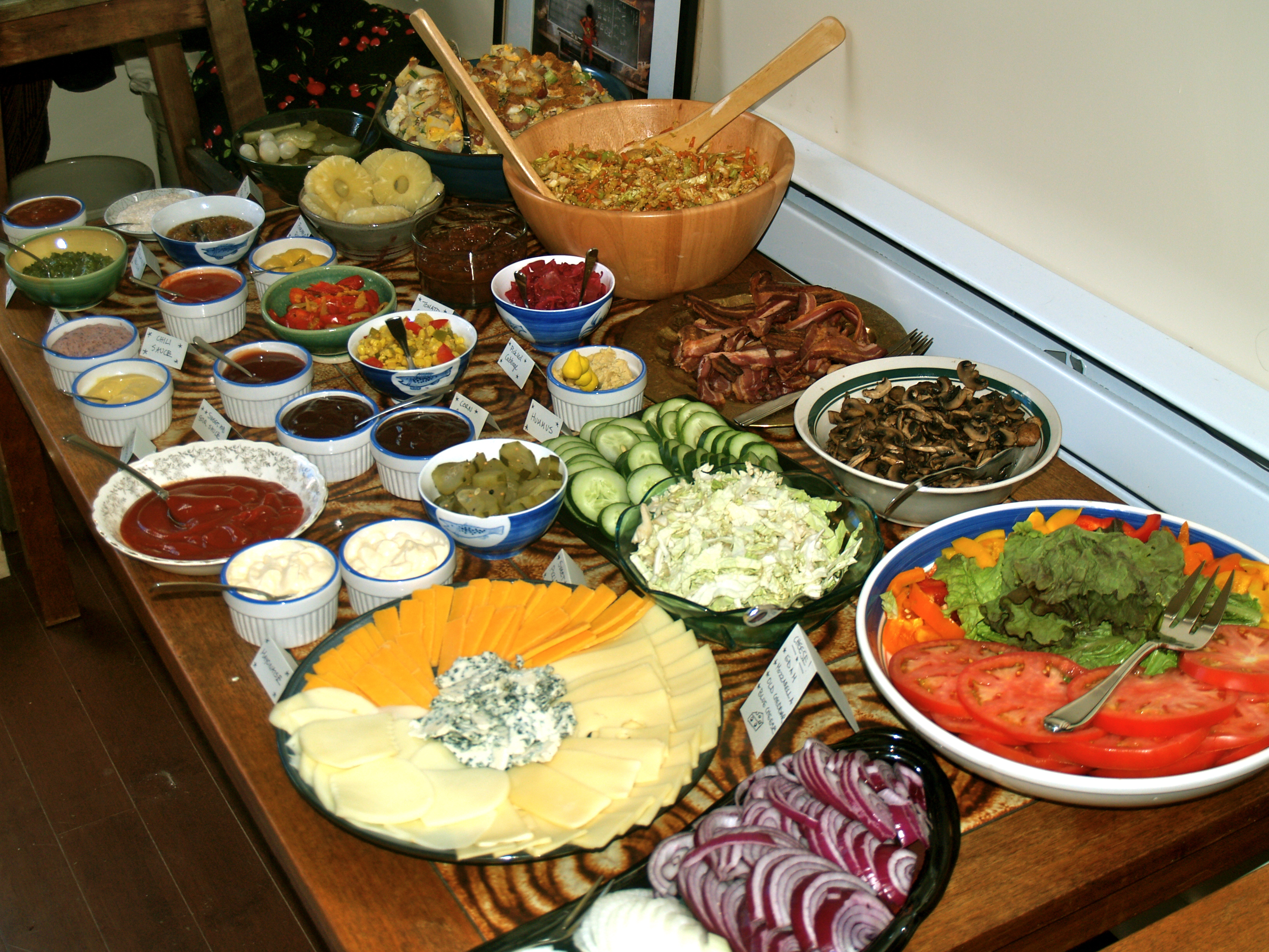 Dinner parties red cedar for Food bar ideas for a party